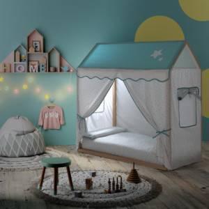lit cabane montessori avec tente et led intégrée allumée