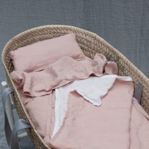 couffin bébé avec habillage en lin rose