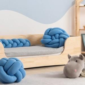 lit banquette montessori dans chambre d'enfant